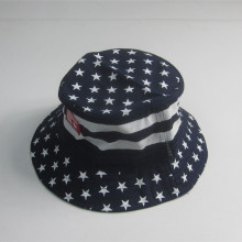Dot Print Cotton Twill Bucket Hat Med Gummi Patch