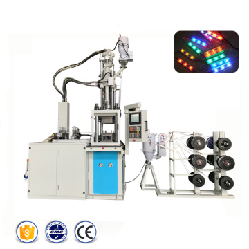 Machine de moulage par injection de module LED en plastique automatique