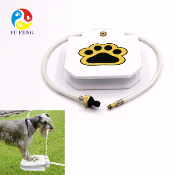 """Wholesale supplier Outdoor dog feeder for all dogs Automatic pet activated water fountain Nice Outdoor Dog Water Feeder With 41"""" Hose Pet Step-on Drinking Training Tool for Dogs drinking fountain for dog pets"""