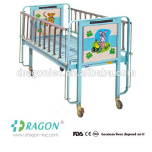 DW-CB01 up-down lift siderail lovely baby bed for the newborn baby
