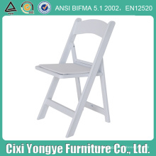 Cadeira dobrável de resina para casamentos ao ar livre