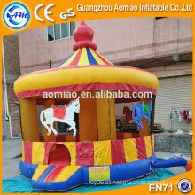 Castelo inflável do jumper do carrossel do Natal para a venda