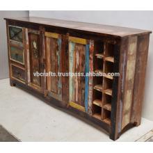 Aparador de madera reciclado con estante de vino