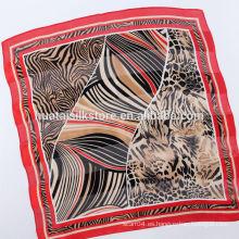 Pequeña seda roja atractiva salvaje de la raya del corbatas personalizadas