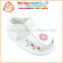 Nouveaux arrivages fashion girls PU chaussures de bébé en plein air chaussures et sandales