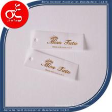 Étiquette volante de papier parchemin imprimé par logo personnalisé / étiquette d'oscillation pour Colthing