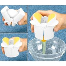 Portable Mini Manual ABS Egg Cracker (SR8442)