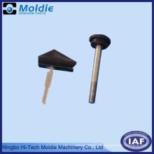Kunststoff-Spritzguss-Produkt mit einem Metall-Einsatz