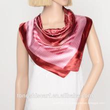 Красный и белый горошек печать квадратный шарф