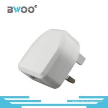 Chargeur de voyage USB simple avec prise UK pour téléphone portable