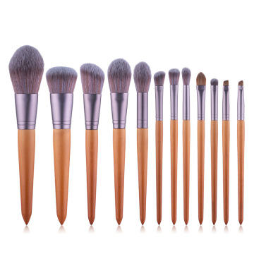 2020 neue Make-up-Pinsel, 12 holzfarbene Make-up-Pinsel mit spitzem Schwanz, sieben Farbfaser-Haar-Beauty-Tool-Kits
