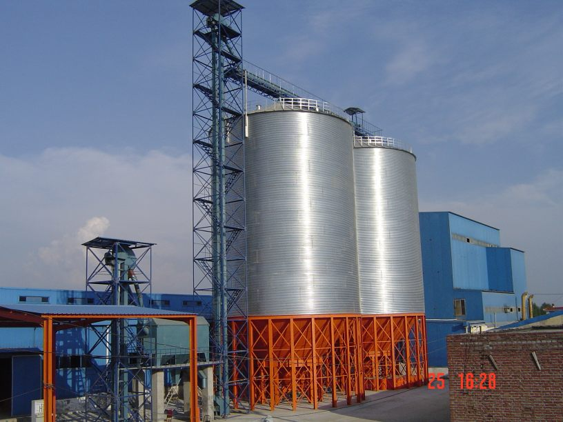 steel_silos_for_feeds_storage_with_flat_bottom
