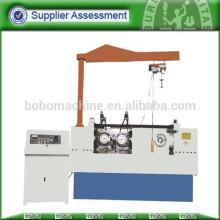 Automatic thread roll machine for bolt
