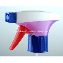 Pulverizador de gatillo de colores mágicos en la vida útil de la limpieza