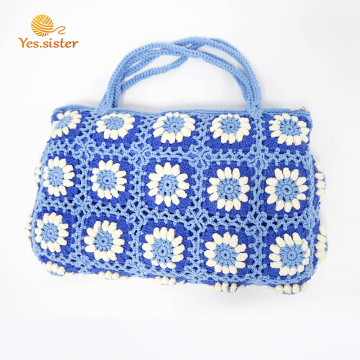 Borsa Boston da donna con fiori ricamati a mano all'uncinetto