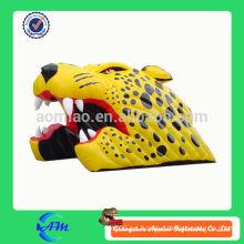 Cabeza de tigre inflable casco de fútbol
