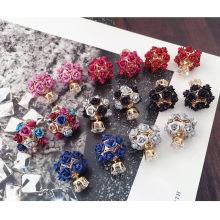 Hot Top Fashionable único diamante artificial e flor dupla face brinco