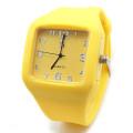 Montre de sport en silicone de haute qualité Sport Watch Men (HL-CD057)