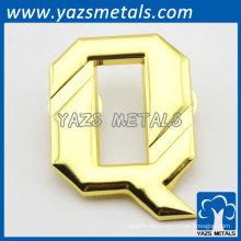 Brillante alfabeto lapela plato de oro para la promoción del regalo