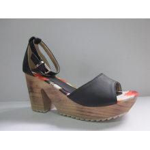 Neue Design Damen Chunk Sandalen (HCY03-080)