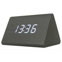 Reloj electrónico creativo del reloj del LED, reloj de pared luminoso del regalo del silenciador