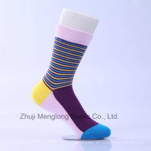 Los nuevos calcetines del vestido de la manera de los hombres de la llegada calzan los calcetines ocasionales del algodón para la venta al por mayor