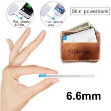 Carregador portátil ultra fino 2600mAh do banco do poder de Powerbank do cartão de crédito mini