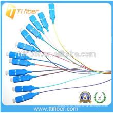 Singlemode SC / upc fibra óptica Pigtail 0.9mm, PVC / LSZH