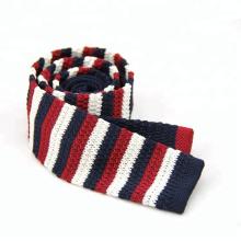 Corbata hecha punto raya al por mayor del poliéster, modelo del lazo de punto
