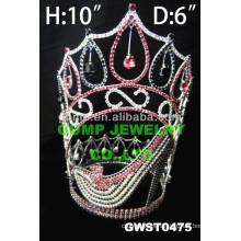 Tiara de tacón alto y corona