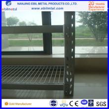 Râtelier industriel avec platelage métallique