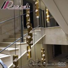 Lámpara colgante de tira redonda moderna y de moda con sala de estar