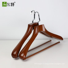 cintres en bois d'affichage de qualité personnalisée haut de gamme