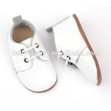 Chaussures de baptême blanches en cuir véritable en cuir véritable en gros