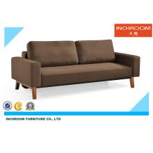 Sofá moderno de la sala de estar funcional moderna del sitio