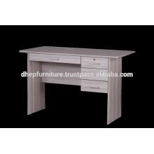 Mesa de oficina de madera con estante y cerradura de cajón