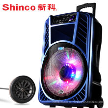 Neuer wiederaufladbarer tragbarer Laufkatzen-Lautsprecher mit Laser-Licht