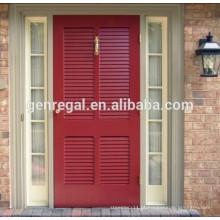Porta de madeira maciça com persiana externa