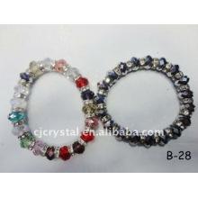 Красочные браслеты из бисера