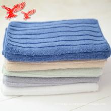 Hilo de algodón de la venta directa de la fábrica de China que teñió la toalla de cara del diseño del brote de la haba