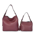 Minimalist Slouch Hobo Soft Red Medium Ledertaschen