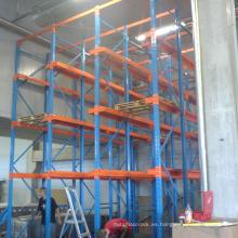 Conducir en el sistema de estantería de palet pesado de Rack