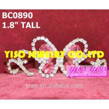 Coronas y tiaras rosadas de la mariposa