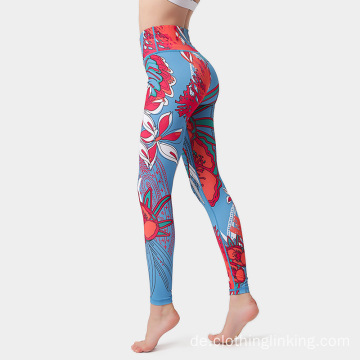 Workout-Outfits mit floralen Leggings