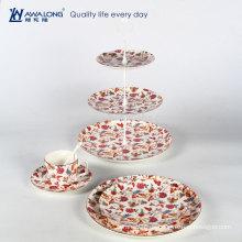 Blumen Nachmittagstee Dessert und Obstteller mit Tasse und Untertassen für Tee