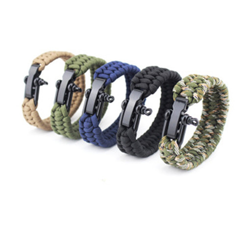 Shackle Paracord Bracelet
