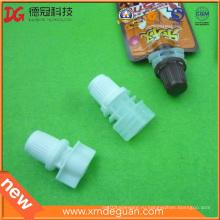 Пластиковый носик 8 мм с крышкой