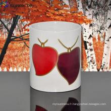 11oz en céramique blanc sublimation tasse vierge avec deux changements de couleur du coeur