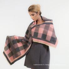 Les femmes d'automne et d'hiver 2017 surdimensionnent l'écharpe de 100% coton