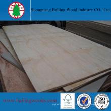 Contreplaqué en pin de haute qualité pour la construction